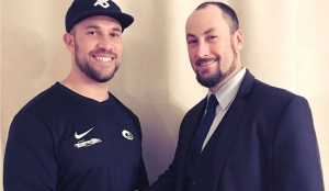 Sportdirektor der Hamburg Huskies Timothy Speckman (links) mit dem neuen Head Coach der Schlittenhunde Anthony Rouzier