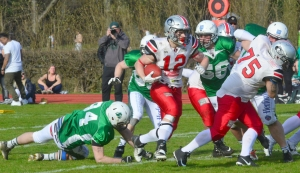 Runningback Christian Vogl mit Ball